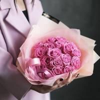 Букет 15 розовых роз в упаковке R026